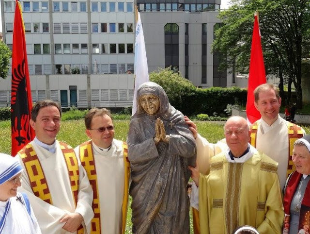Mother Teresa statue inaugurated in Switzerland