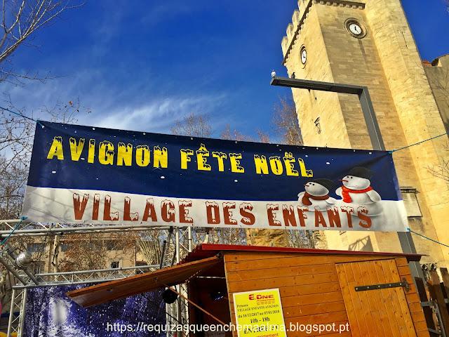 Parque de Avignon, PRAÇA DO RELÓGIO