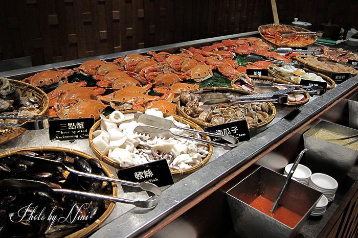 【台北自助餐】泰市場。週一女性消費有優惠