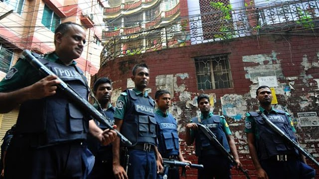 Bangladesh says man linked to Dhaka café attack dead