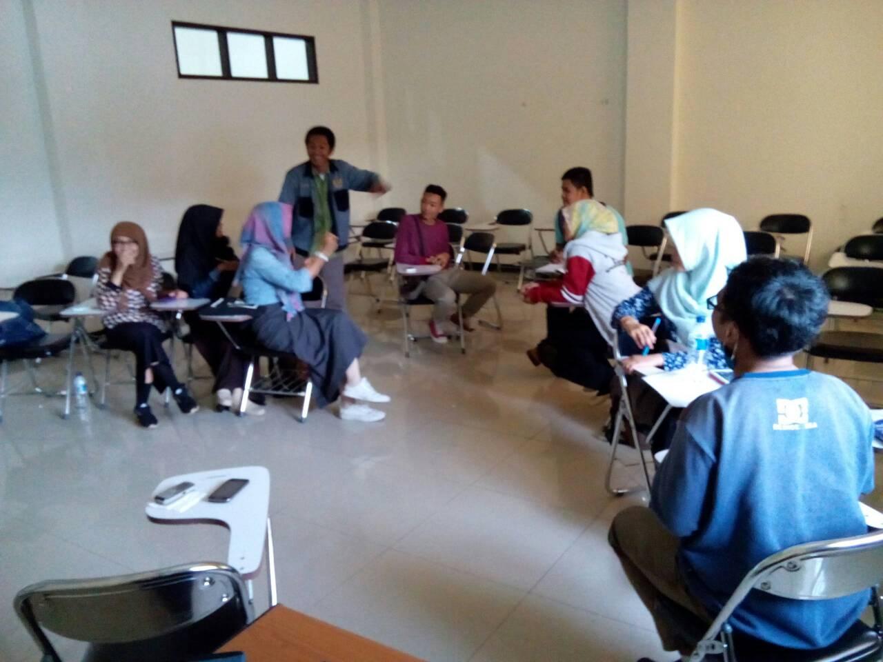 What Is SMEC? | Stikes Muda English Club