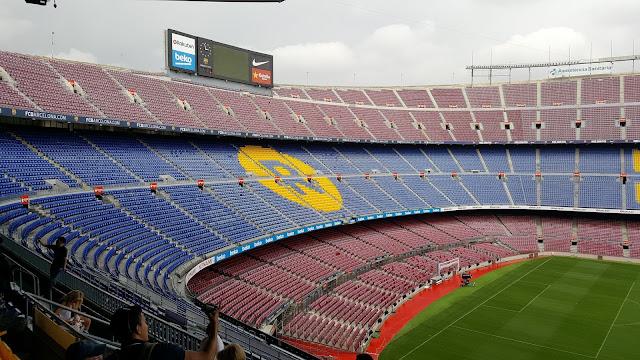 Czy warto zwiedzić stadion Camp Nou?