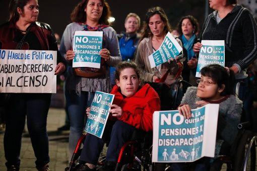 Macri apela decisión que restablece pensiones a discapacitados