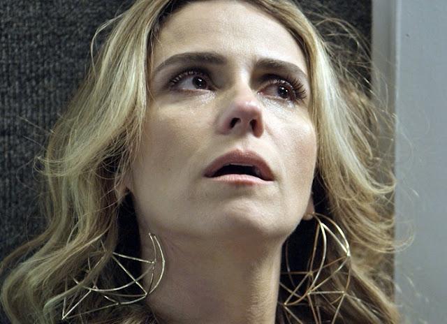 Atena (Giovana Antonelli) brinco, A regra do jogo