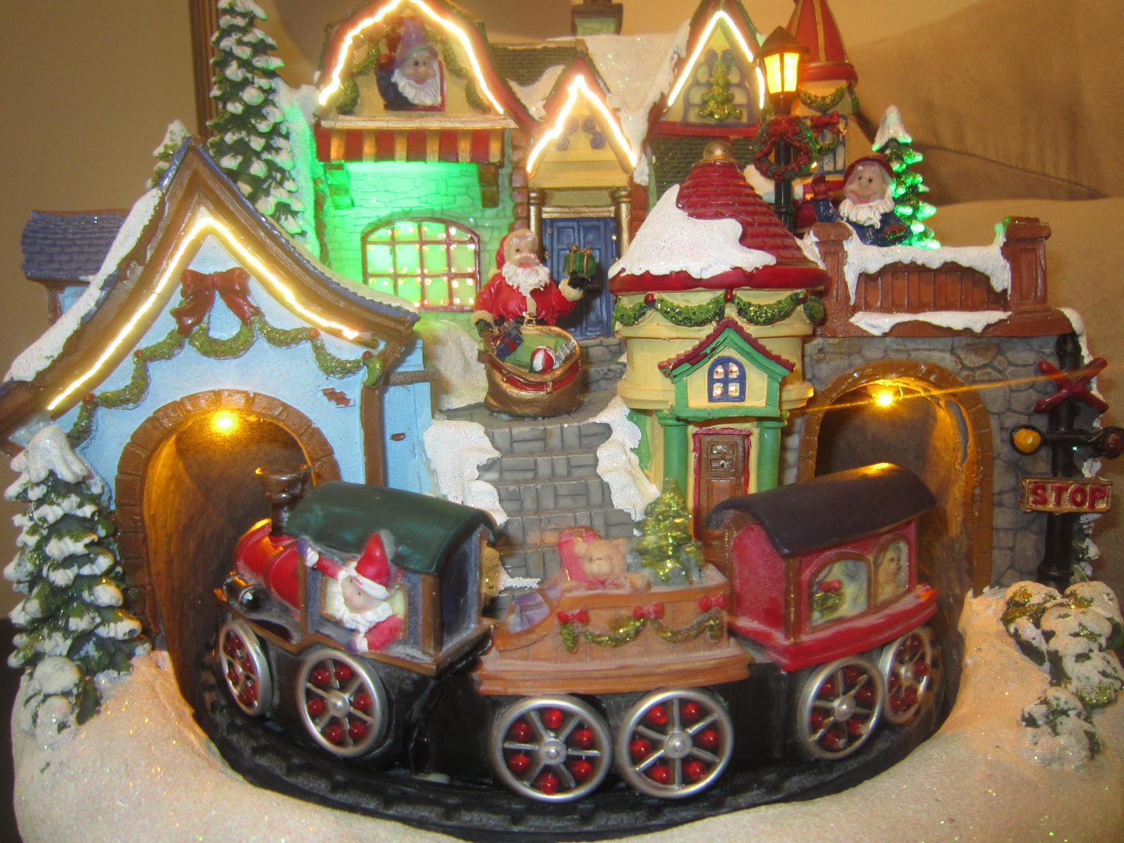 Santa's village, Christmas decor