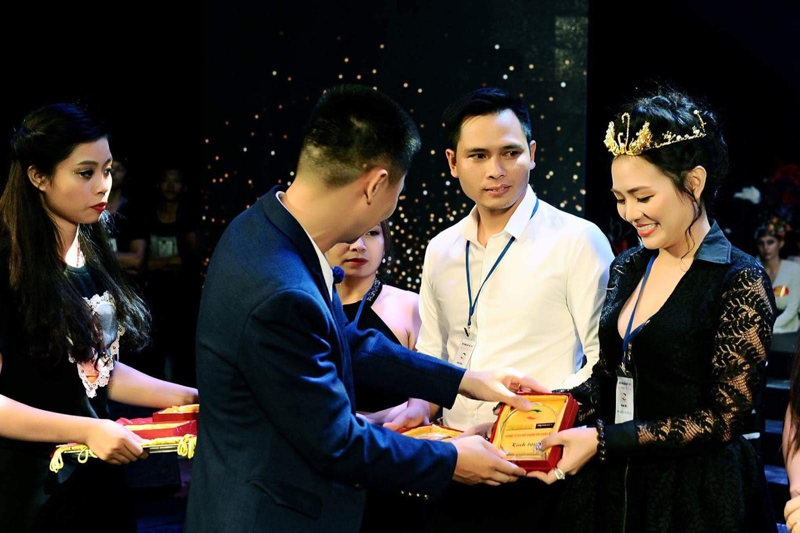 Doanh nhân Hương Thương không chỉ giỏi trong kinh doanh mà còn rất năng động trong nhiều lĩnh vực