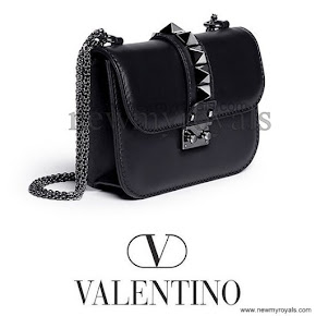 Princess Victoria carried Valentino Small chain shoulder bag