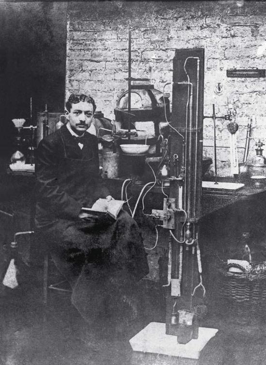 Eugène Schueller in 1907