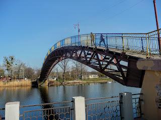 Новомосковськ. Дерев'яний пішохідний міст через Самару