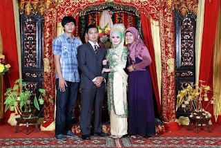Foto bersama kolega istri di JACO TV Shopping Medan