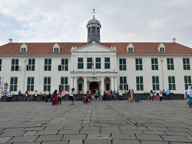 walking tour mtsn 4 wisata kawasan kota tua bersama jakarta good guide