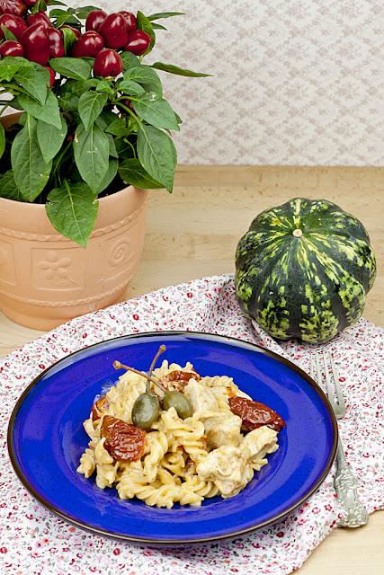 makaron z kurczakiem, makaron z suszonymi pomidorami