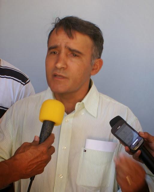Resultado de imagem para DR. JERRY EM SÃO ROBERTO