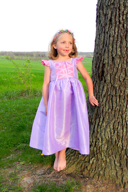 dress up, fancy dress, tangled, disney, halloween, sewing project, sewing pattern, tutorial, sew along, perfect dress, kid's clothes, disneyland, disneyworld