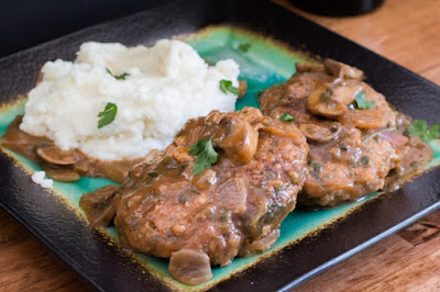 https://thebeardedhiker.com/salisbury-steak/#.LGIUFIUK