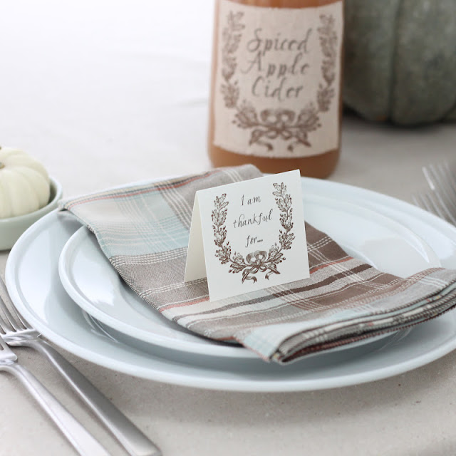 Free Printable Thankful For Cards | A Thanksgiving Tradition via www.julieblanner.com