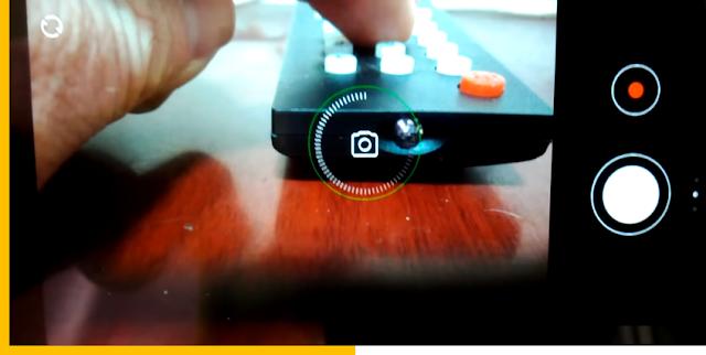 cara cek kondisi baterai remote tv menggunakan kamera smartphone