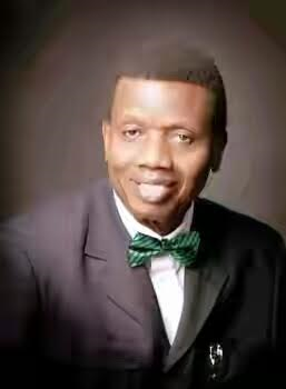 Adeboye frowns at pastors who grow beards as he dishes out marriage advice