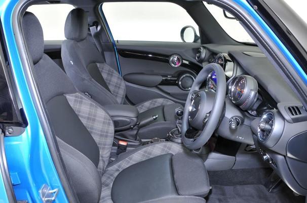 2017 Mini 5-door Hatch