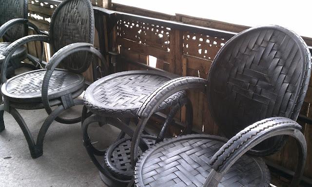 Вторая жизнь старых автомобильных покрышек — идеи, что можно сделать из автомобильных покрышек, мебель из автомобильных покрышек, украшения из автомобильных покрышек, украшения для сада, фигурки из резины, скульптуры из старых покрышек, кресла из старых покрышек, детская площадка из старых покрышек, как использовать старые автомобильные покрышки, для чего использовать старые автомобильные покрышки, старая резина, колеса от автомобиля, садовая мебель из автопокрышек, диван из автопокрышек, качели из автопокрышек, клумбы из автомобильных покрышек, песочница из автомобильных покрышек, идеи использования старых автомобильныз покрышек, старые автопокрышки что из них можно сделать, старые автопокрышки для детской площадки фото, старые автопокрышки для дачи фото, старые автопокрышки на даче, старые автопокрышки во дворе фото,