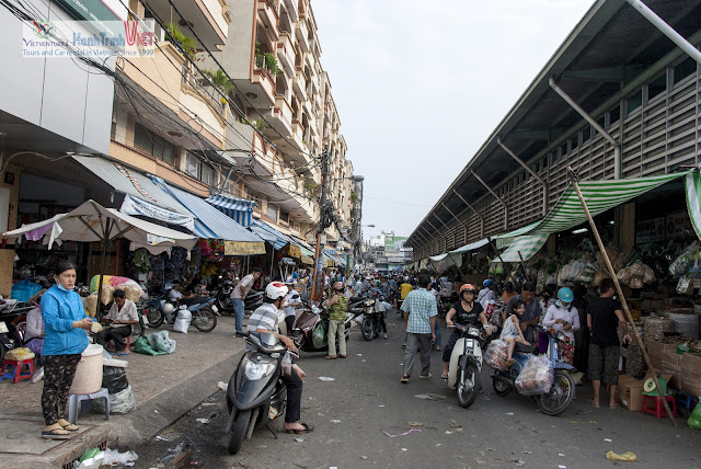 Visiting Cho Lon Market in Saigon