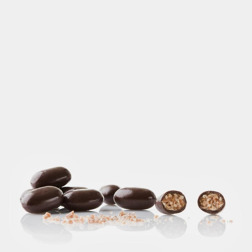 ... custodire la razione giornaliera di cioccolato – è un must have per  tutti gli appassionati di scatole di latta dal sapore retro  fa27aa524cfb