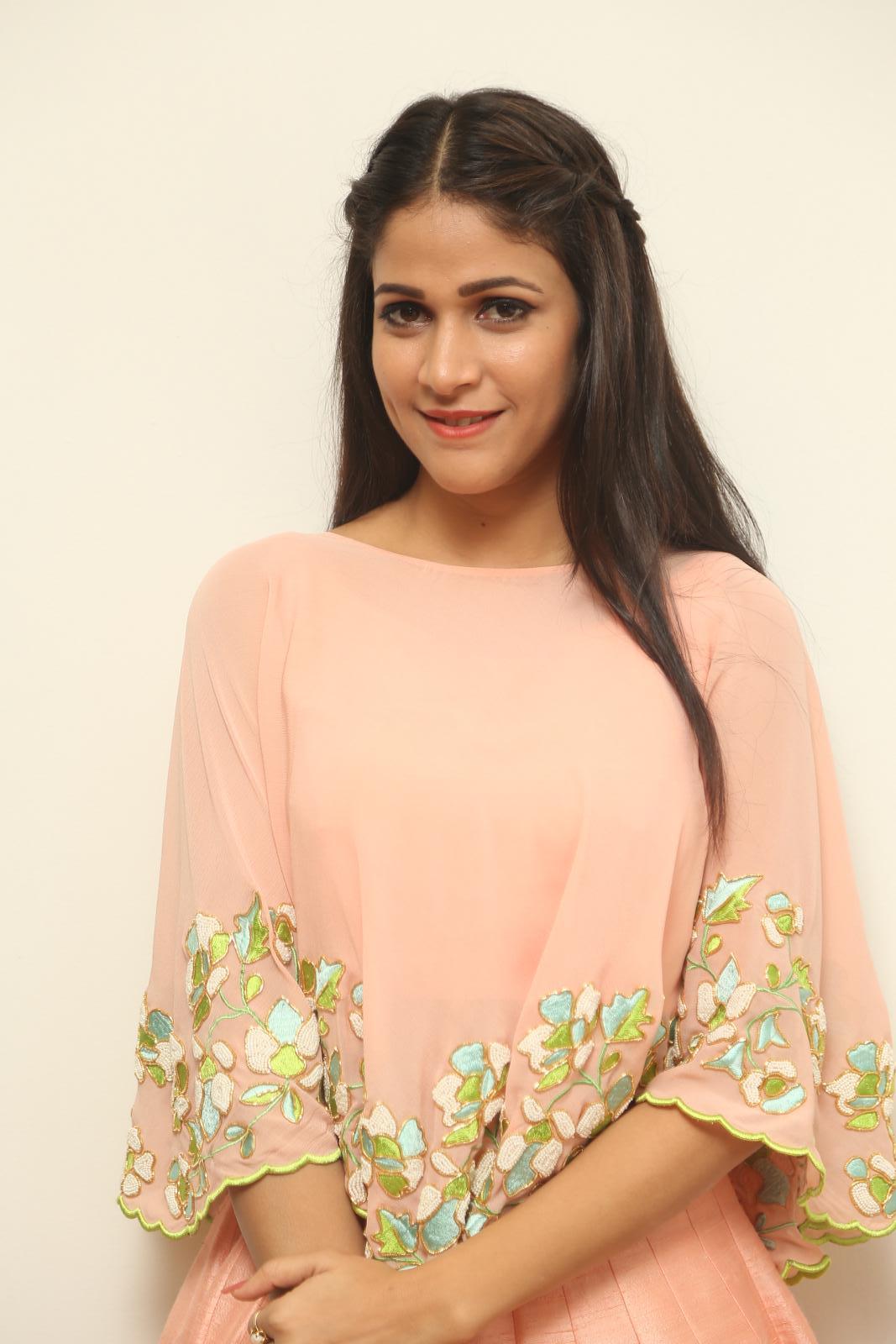 Lavanya Tripathi Stills At Soggade Chinni Nayana In Pink Dress