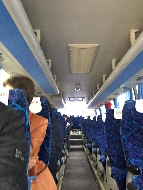 Салон автобуса МОБИЛ ТРАК ЦЕНТР