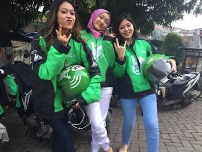 5 Wanita Anggota Driver Gojek Cantik Berhijap yang bikin ngangenin