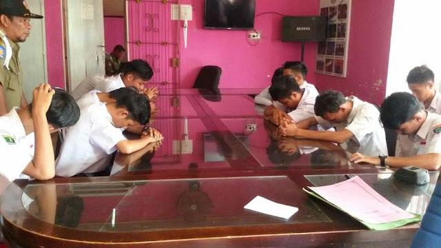 Pol PP Pariaman Amankan 17 Pelajar Keluyuran, 3 di Antaranya Main Kartu