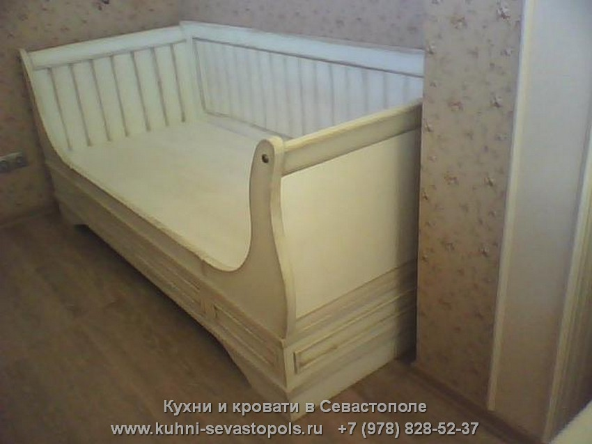 Кровати из массива в Севастополе