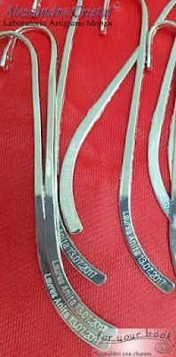 segnalibro metallo asta incisa nome e data laurea