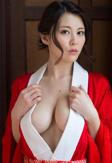 China Matsuoka 松岡ちな Photos 20