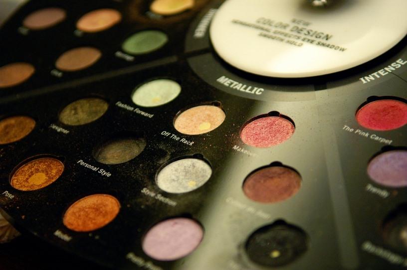 metallic eyeshadows spring 2018 makeup trends
