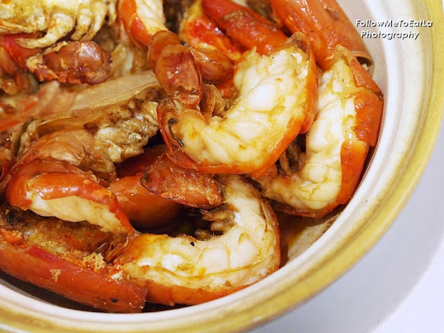 Drunken Prawns In Claypot