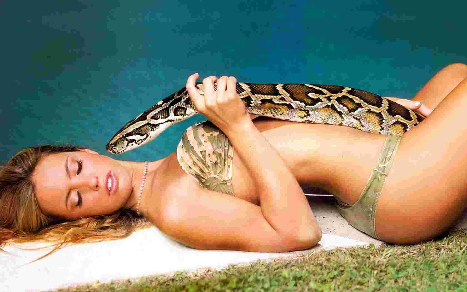Girl Snake Porn