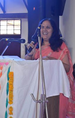 कविता - वो कहानी आज तुम्हें सुनानी है.....hindi poem openair vidya bhawan udaipur