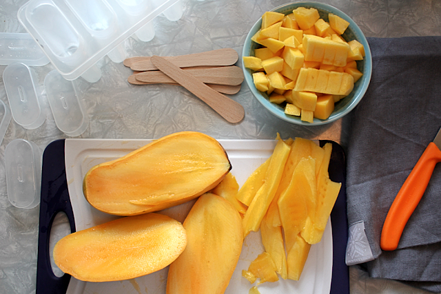 Making mango popsicles from scratch