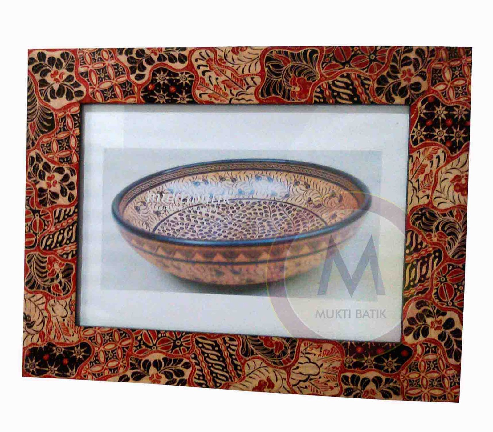 Frame photo dinding batik kayu