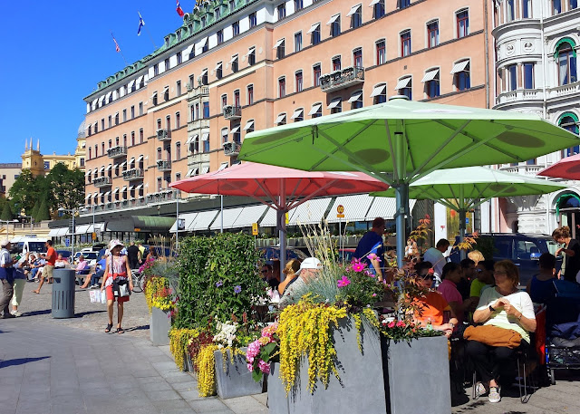 Stockholm's Grand Hotel and Strandvägen  |  A wee reality check on afeathery*nest  |  http://afeatherynest.com