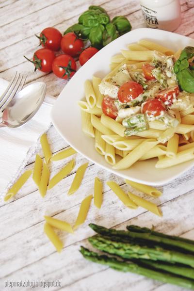 piepmatz rezept pasta mit spargel und kirschtomaten. Black Bedroom Furniture Sets. Home Design Ideas