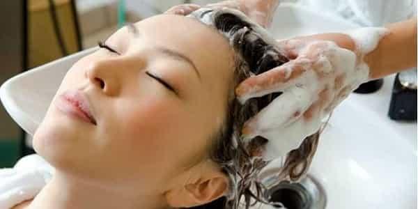 7 Cara Mencuci Rambut Dengan Betul