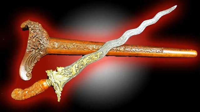 Gambar ilustrasi Senjata Tradisional