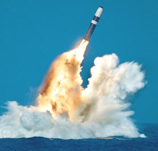 http://2.bp.blogspot.com/-nVdiF8O5oH4/Tlme01tRq-I/AAAAAAAABAE/7rJpiOhwQ_s/s1600/trident_missile_launch.jpg