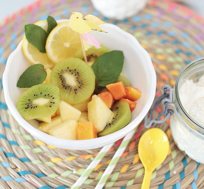 Tropischer Fruchtsalat mit Kokossahne Obstsalat Ananassalat