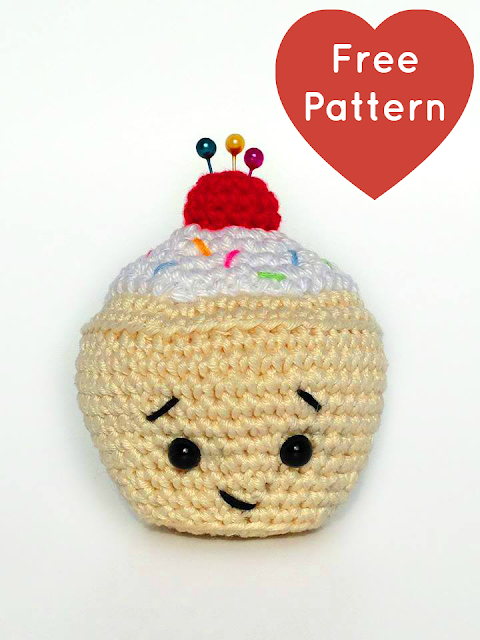 Quick Easy Amigurumi Patterns : Heart & Sew: Little Cupcake Pincushion - Free Crochet ...