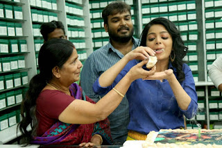 Actress Janani Iyer Birthday Celetion Stills at Ultaa set  0006