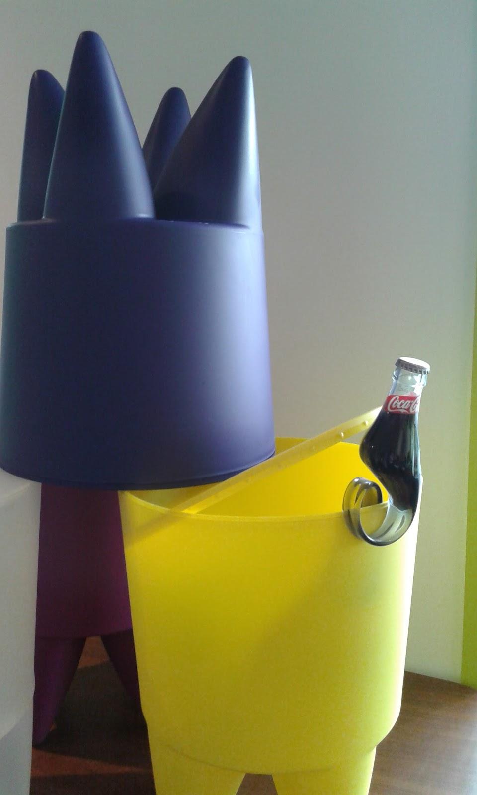 le bubu de philippe starck. Black Bedroom Furniture Sets. Home Design Ideas