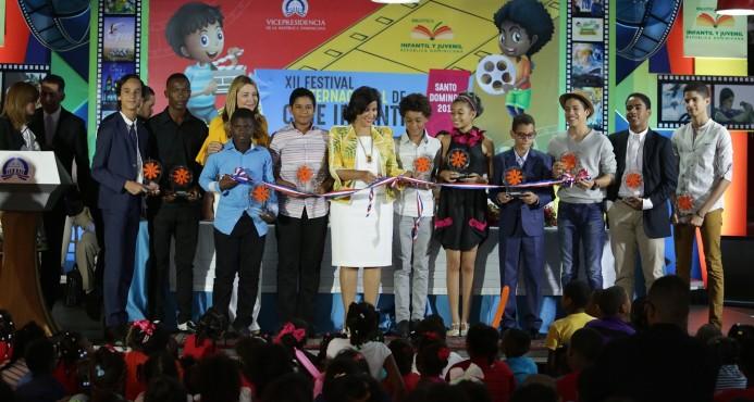 Vicepresidenta inaugura XII Festival Internacional de Cine Infantil