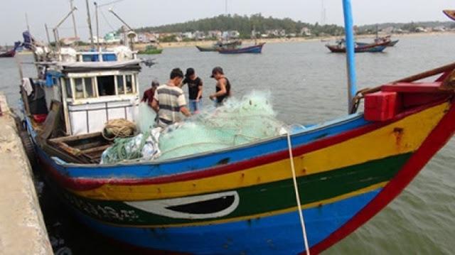 Ngư dân Quảng Ngãi lại bị tàu Trung Quốc tấn công